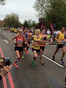 Steve Way overtakes Paula Radcliffe in the London Marathon