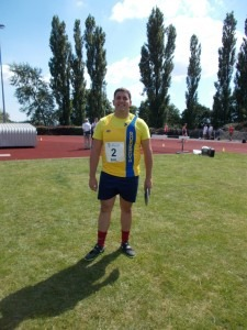 Matt Ridge about to earn some useful discus points