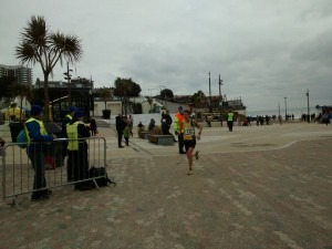 Emma Dews runs a PB to win the ladies' race in the Bournemouth 10