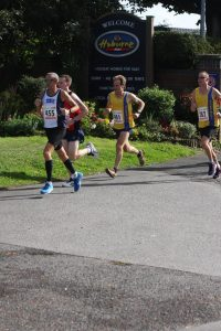 Jud Kirk and Simon Hearn in the early stages of the race