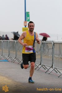 Damien Boyle approaches finish at Bournemouth Bay 10k