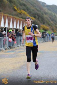 Julia Austin nears the finish in Bournemouth Bay 10k