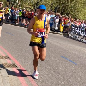 Simon Way running well in the London Marathon
