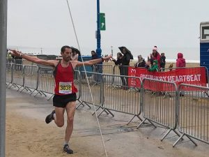 Steve Way flying in Bournemouth Bay Half Marathon