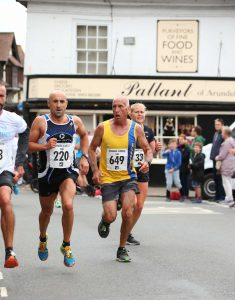 Simon Hunt jostling for position in Arundel 10k