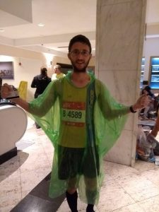Tom Paskins with Poncho at Chicago Marathon