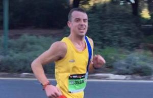 Craig Palmer in action at the Valencia Marathon