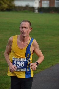 Simon Hearn in the Boscombe 10k