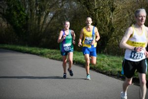 Ania Gabb and Rich Brawn runnign together at the Bramley 20
