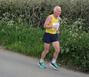 Ian Graham progressing well in the North Dorset Village Marathon