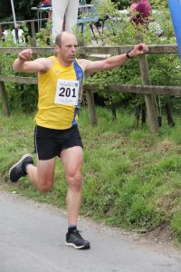 Alex Goulding finishes the Tarrant Valley 10