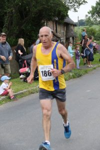 Simon Hunt in action at the Lulworth Castle 10k