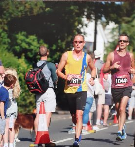 Simon Hearn pushes hard in the Maidenhead Half Marathon