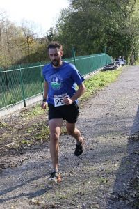 Stuart Holloway on the finishing straight in The Stickler