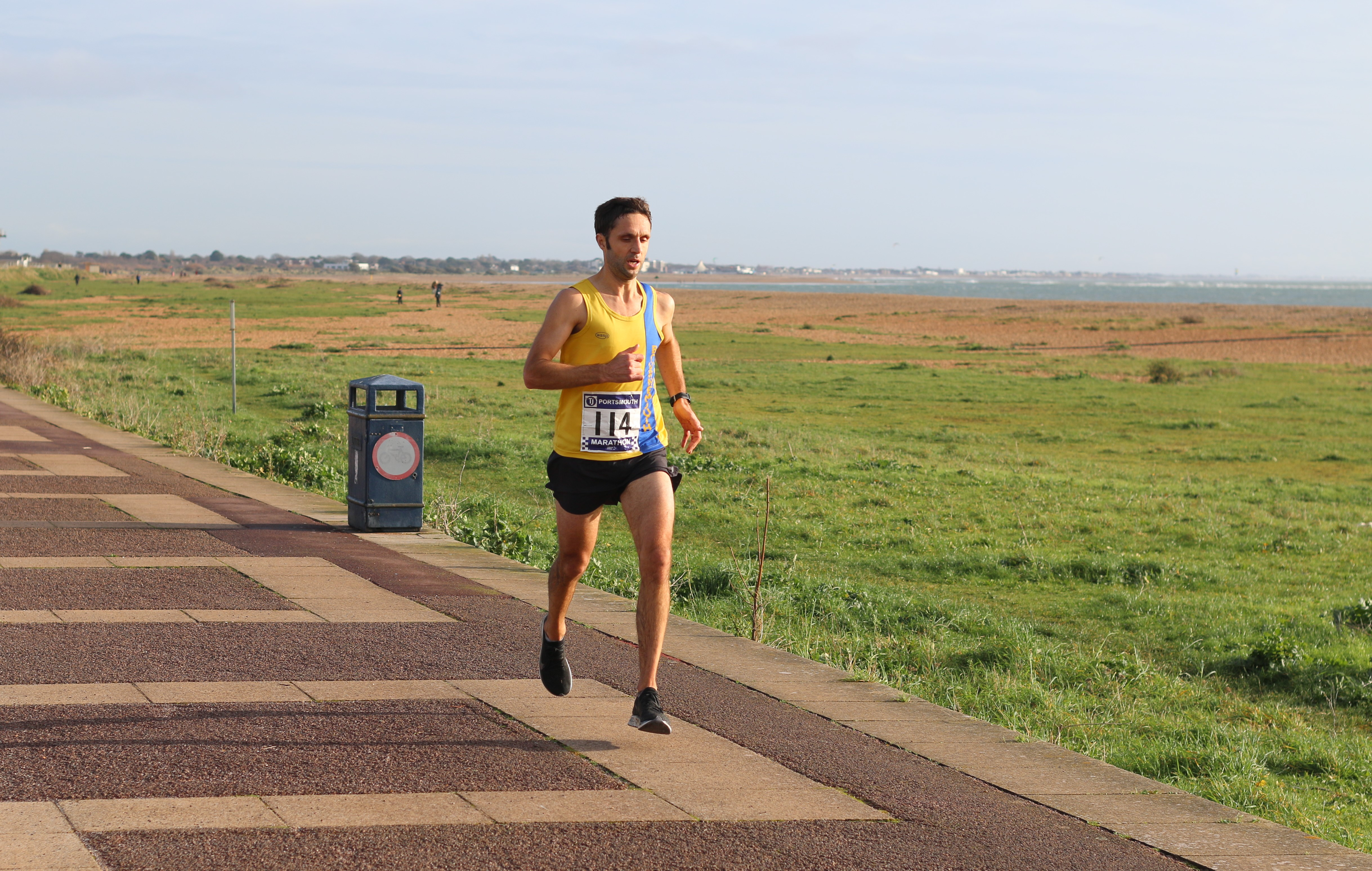 Jez Bragg moves forward in the Portsmouth Coastal Marathon