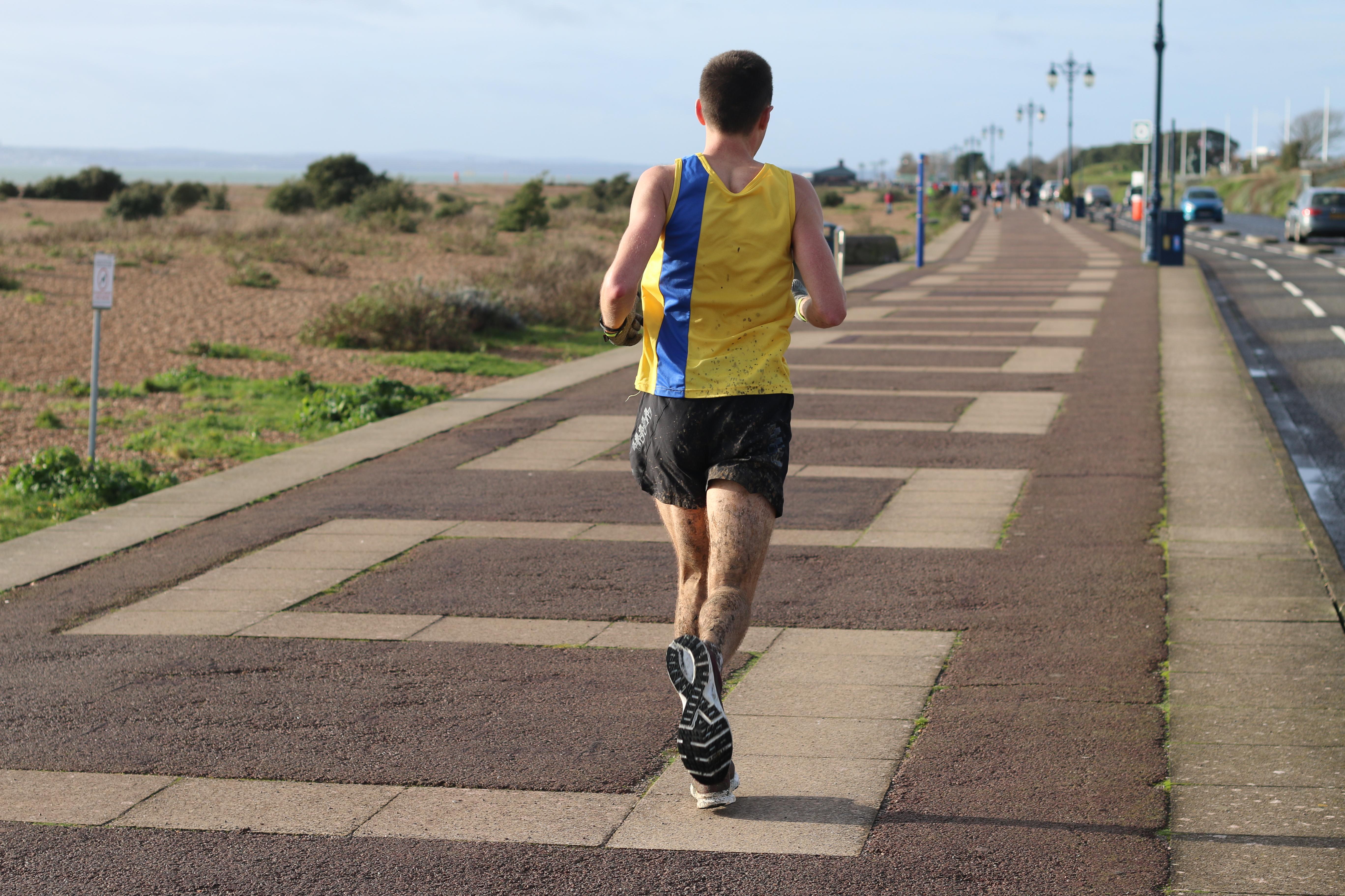 Back of Stu Nicholas in the Portsmouth Coastal Marathon