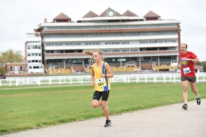 Isabel Cherrett in action at the Newbury Racecourse 5k