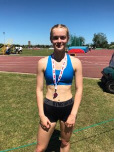 Amelia Verney takes another medal at the South of England AA Champs