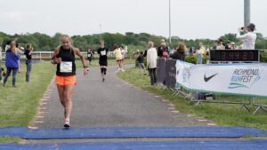 Heather Khoshnevis finishing Kempton Park Marathon