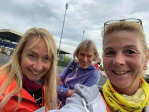 Heather arrives with friends at the Kempton Park Marathon