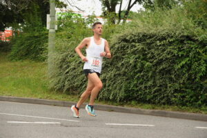 Ant Clark giving his all in the Eastleigh 10k