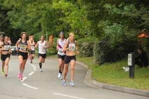 Emma Caplan turns the corner in the Eastleigh 10k