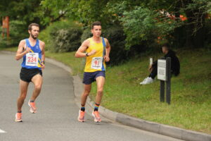 Harry Smith turns the corner in the Eastleigh 10k
