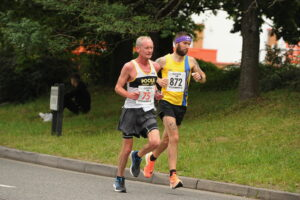Trev Elkins battling hard in the Eastleigh 10k