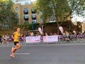 Rich Brawn moving well in the London Marathon